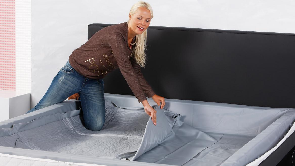 Wasserbettmatratze Thermotrennwand einlegen