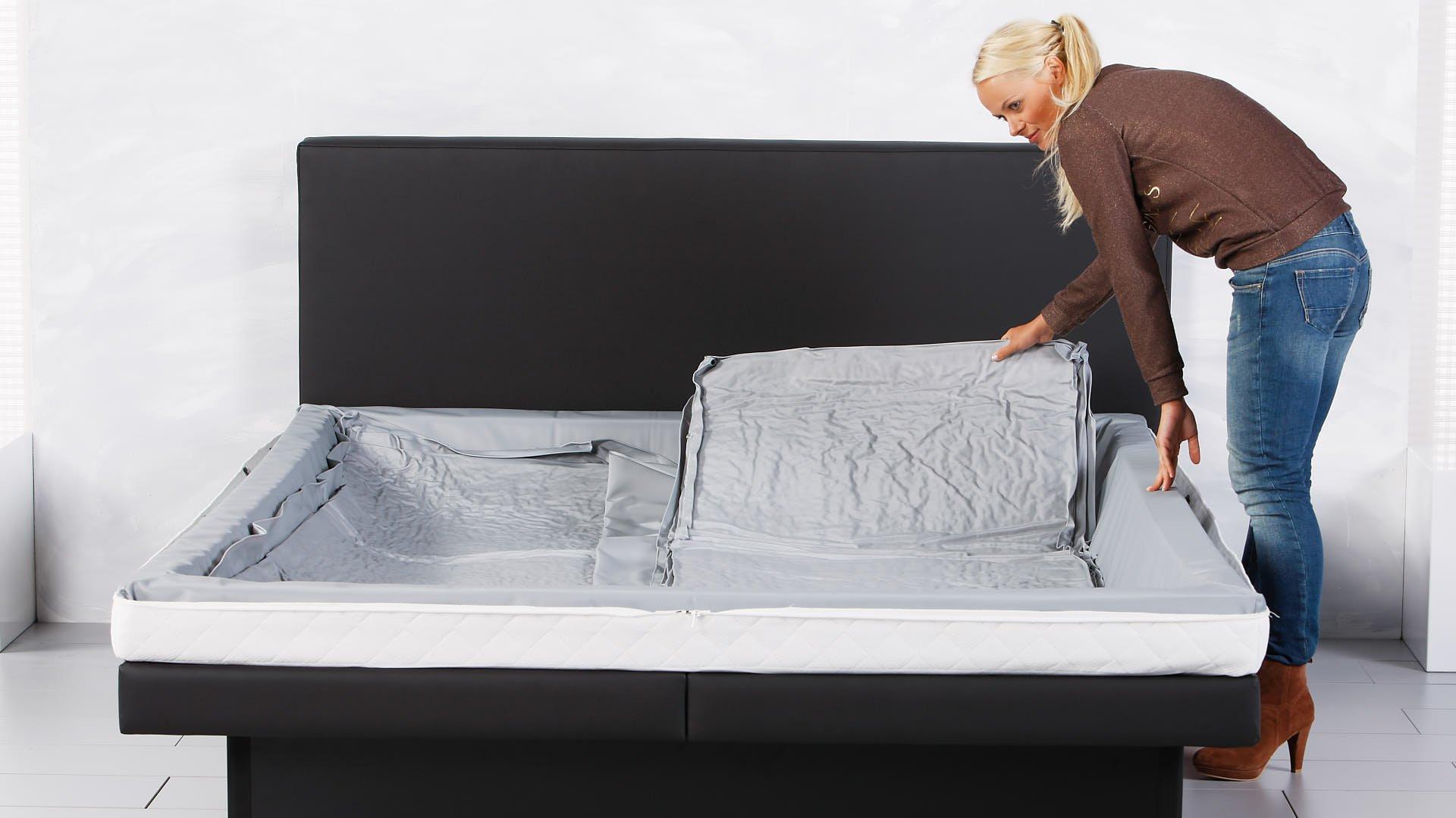 Wasserbettmatratze zweite Hälfte von Duo in vollständigem Wasserbett